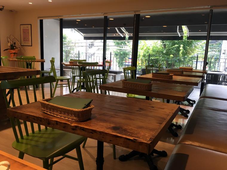 カフェレストラン デイジイの店内画像