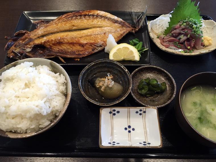 【東川口】海鮮処ろぐ亭 [焼魚定食、刺身付き 1,000円]