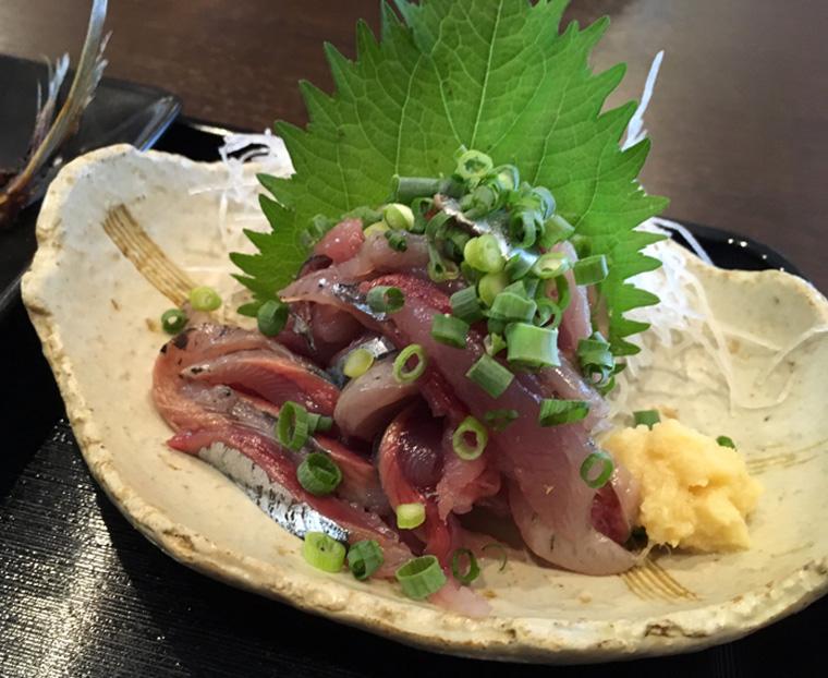 【東川口】海鮮処ろぐ亭 [焼魚定食、刺身付き 1,000円]の刺身